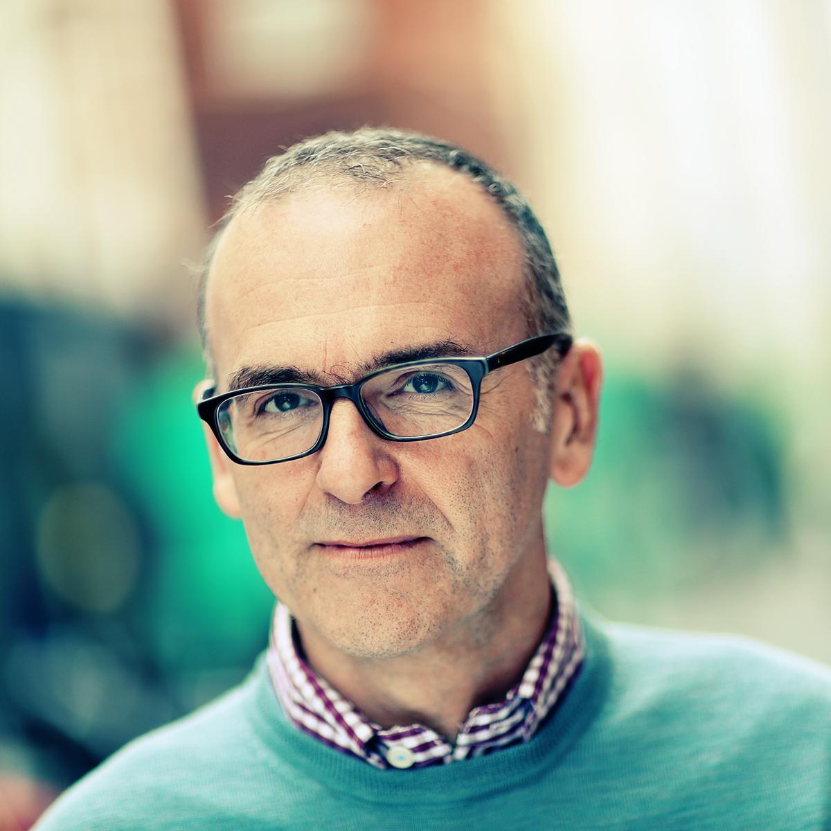 John Owen (Studio of Art & Commerce, London) - a Linkedin headshot by Julian Hanford
