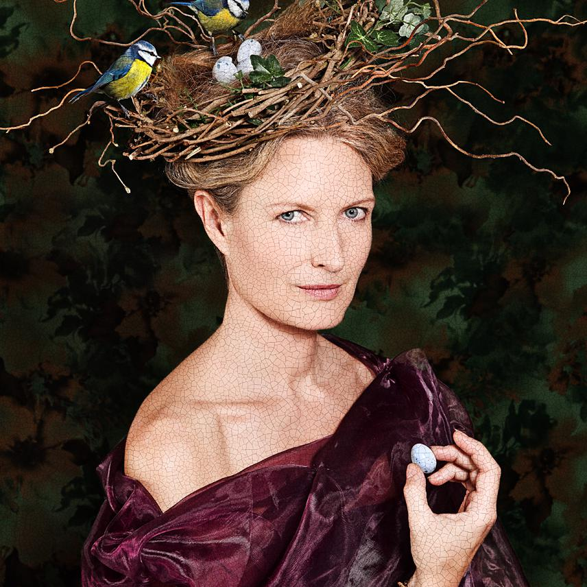 Portrait of Kate Stanners, Exec Creative Director Saatchi & Saatchi by creative photographer Julian Hanford