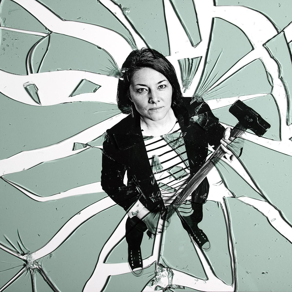 Creative Portrait of Laura Auchterlonie by London portrait photographer Julian Hanford